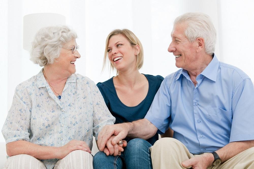 Как защитить пожилых людей и пенсионеров от мошенников
